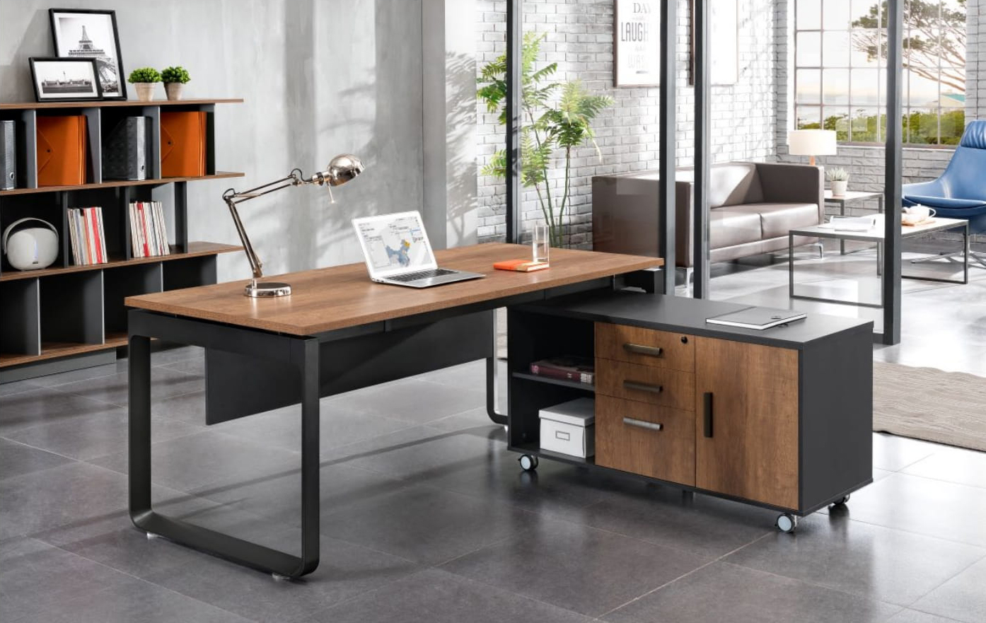 Manager desk with movable cabinet